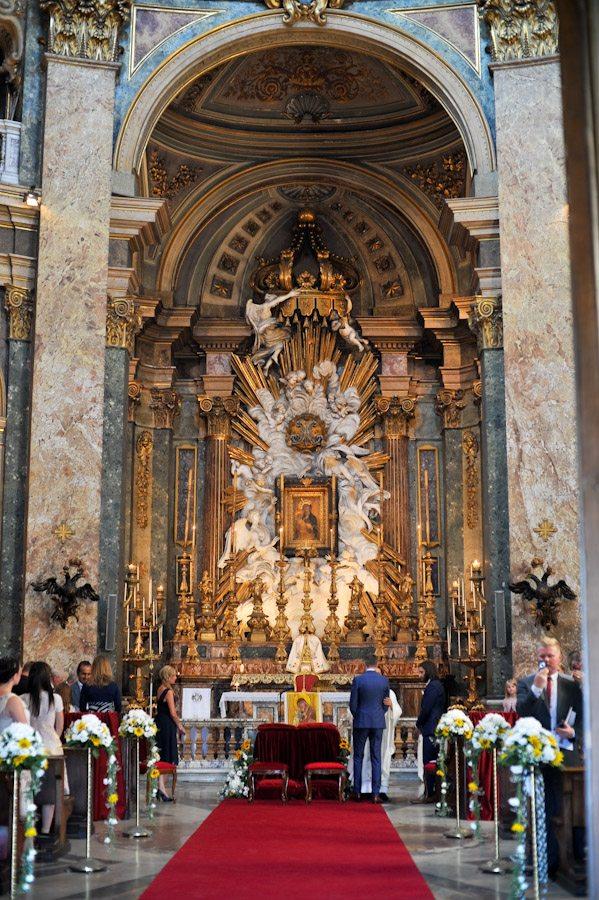 Inside- Chiesa del santissimo nome di Maria al Foro Triano