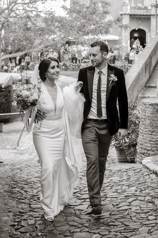 bride and groom at Borgo di Tragliata